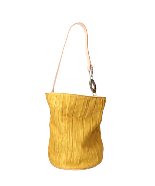 arth PLEATS CRUMPLE BUCKET